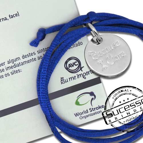 Colar ou cordão com pingente personalizado em metal pulseira ou pulseirinha azul campanha contra o Avc, eu me importo
