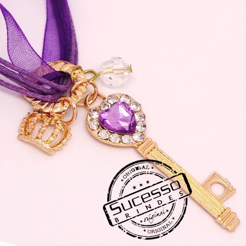 Colar, Cordão ou corrente com pingente personalizado chave com strass