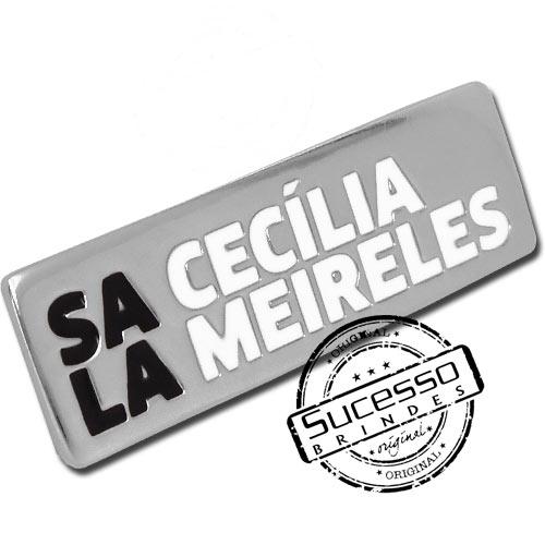 Crachá em metal personalizado Cecília Meireles