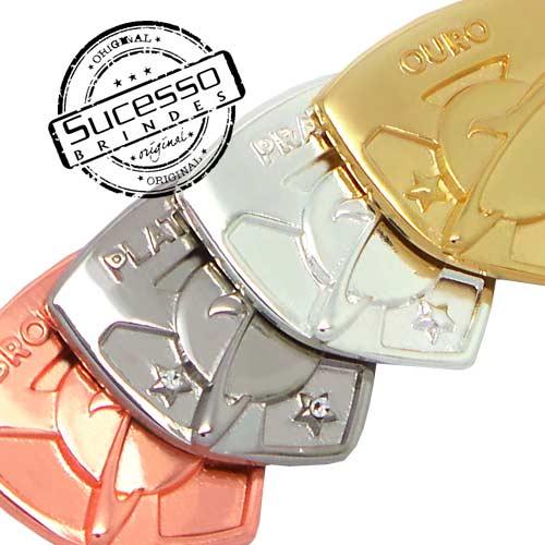 Pin em metal personalizado com trava borboleta e gravação em relevos, bronze, cobre, níquel, prata e ouro