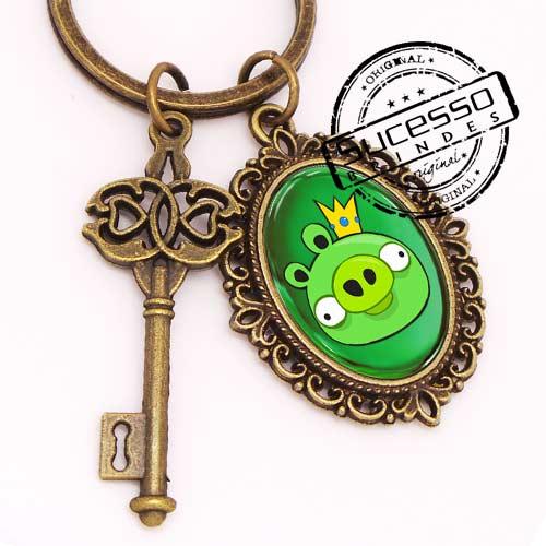 Chaveiro em Metal Envelhecido com logo em relevo chave e Angry Birds Game