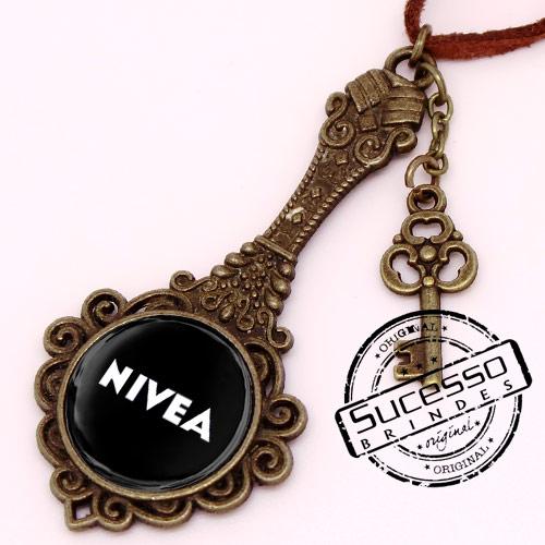 Chaveiro em Metal Envelhecido com logo em relevo espelho princesa com chave