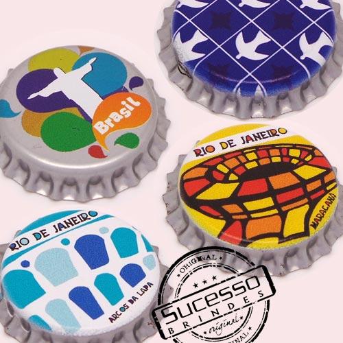 Pin em metal no formato de tampa de garrafa personalizado, tampinha, refrigerante, abridor de garrafa, Rio, Brasil, Bulcão, Cristo, Arcos da Lapa, Maracanã