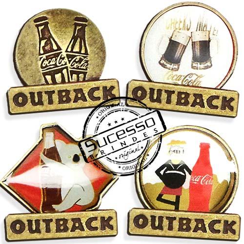 1934-pin-outback-coca-cola-em-metal-envelhecido