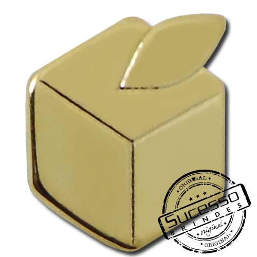 PIN PERSONALIZADO EM METAL GOLD