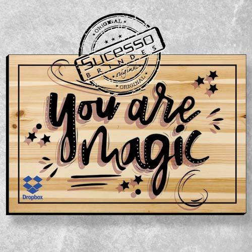 A Sucesso Brindes fabrica placas personalizadas, placa de madeira, placa de mdf, placa em mdf, placas personalizadas ou quadros personalizados para campanhas promocionais ou ação de marketing, dropbox.